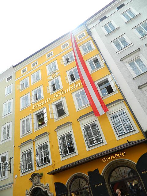 Mozart geboren in de SPAR (Salzburg)
