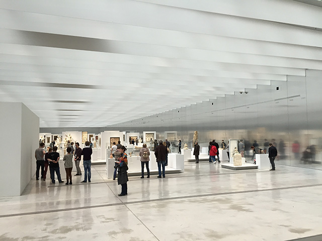Lens: van koolmijn tot annex bij het Parijse Louvre