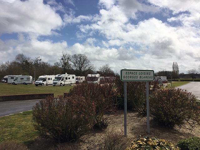 Sully-sur-Loire: geen toegang voor rijdende villa's