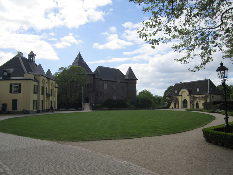 Krefeld: Burg Linn.
